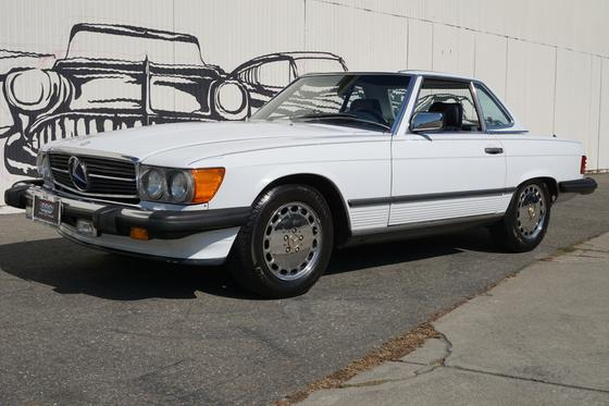 1988 Mercedes-Benz SL-Class :9 car images available