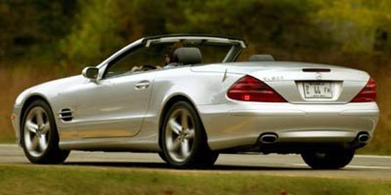2006 Mercedes-Benz SL-Class SL500 : Car has generic photo