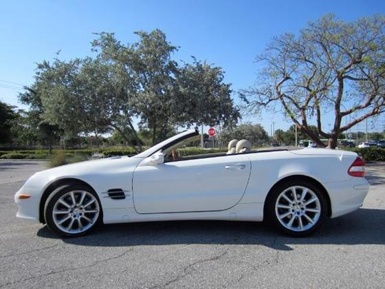 2007 Mercedes-Benz SL-Class SL550:22 car images available