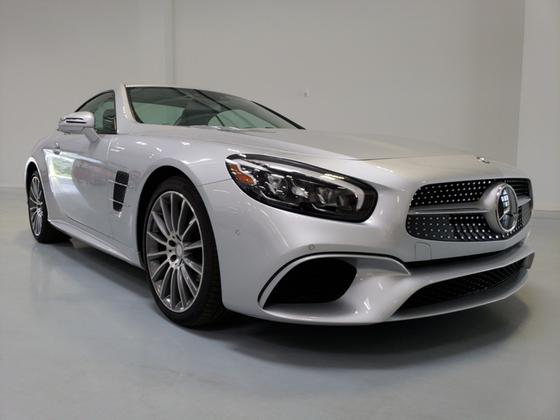 2017 Mercedes-Benz SL-Class SL550:24 car images available