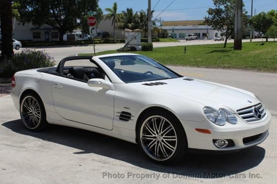 2008 Mercedes-Benz SL-Class SL550:24 car images available