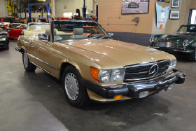 1986 Mercedes-Benz SL-Class SL560:24 car images available