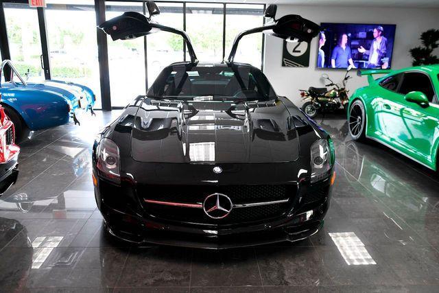 2015 Mercedes-Benz SLS AMG GT:24 car images available