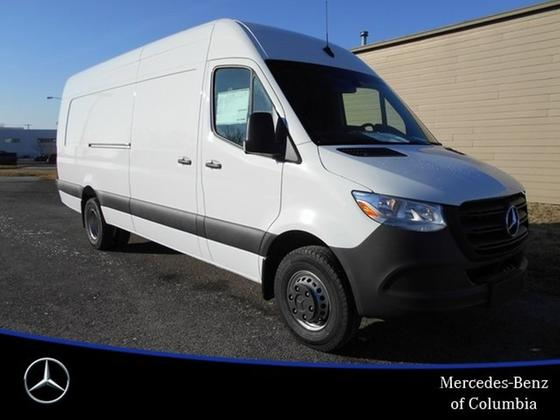 2019 Mercedes-Benz Sprinter 3500:24 car images available