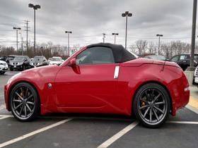 2005 Nissan 350Z Grand Touring:12 car images available
