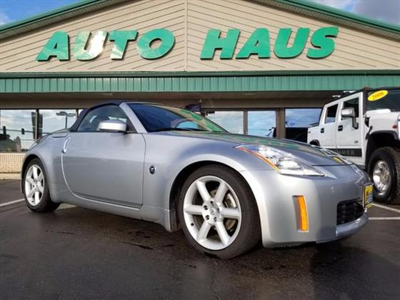 2004 Nissan 350Z Touring:24 car images available