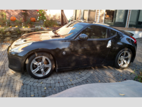 2009 Nissan 370Z Touring:5 car images available