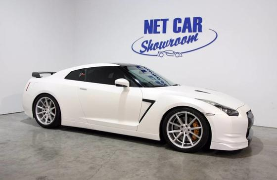 2010 Nissan GT-R :24 car images available