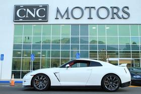 2014 Nissan GT-R :24 car images available