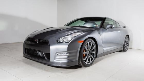 2015 Nissan GT-R :22 car images available