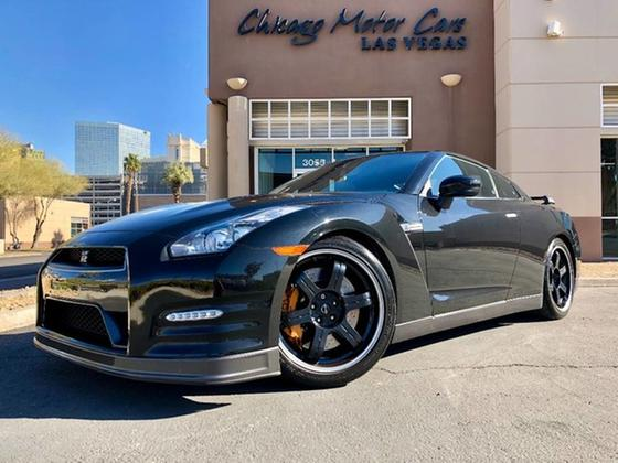 2013 Nissan GT-R Black Edition:24 car images available