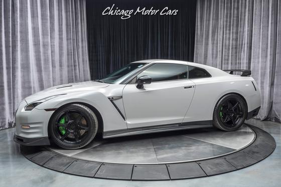 2012 Nissan GT-R Black Edition:24 car images available
