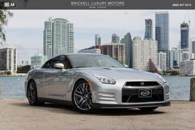 2016 Nissan GT-R Premium:24 car images available