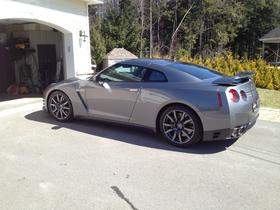 2013 Nissan GT-R Premium:5 car images available