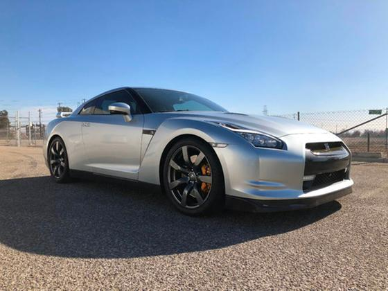 2009 Nissan GT-R Premium:24 car images available