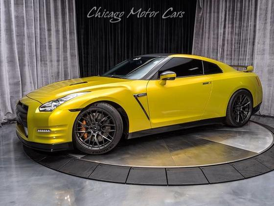 2014 Nissan GT-R Premium:24 car images available