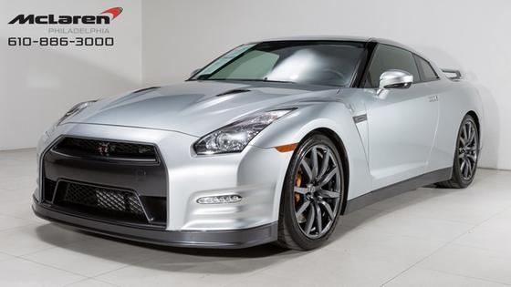 2012 Nissan GT-R Premium:22 car images available