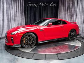 2017 Nissan GT-R Premium:24 car images available