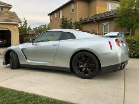 2011 Nissan GT-R Premium:8 car images available