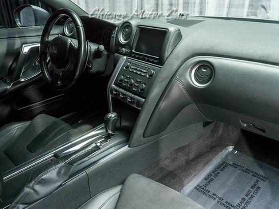 2011 Nissan GT-R Premium