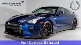 2017 Nissan GT-R Premium:21 car images available
