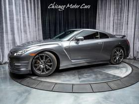 2015 Nissan GT-R Premium:24 car images available