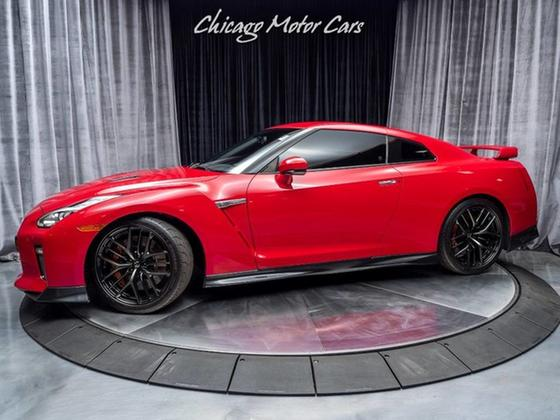 2018 Nissan GT-R Premium:24 car images available