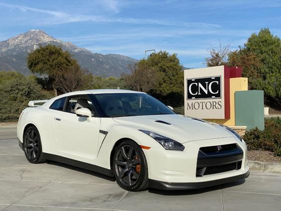 2009 Nissan GT-R Premium:11 car images available