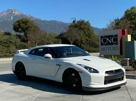 2009 Nissan GT-R Premium:10 car images available