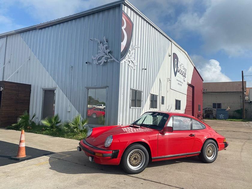 1977 Porsche 911 :24 car images available