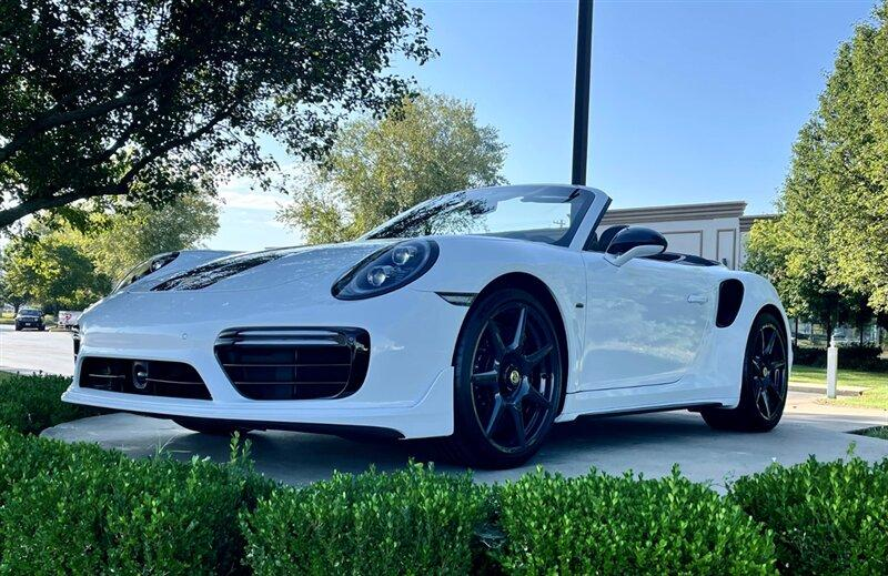 2019 Porsche 911 :24 car images available