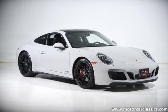 2018 Porsche 911 Carrera 4 GTS:24 car images available