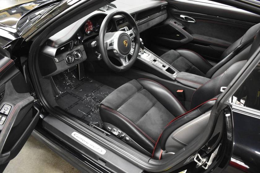 2016 Porsche 911 Carrera 4 GTS