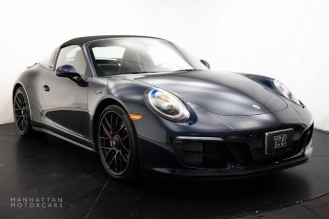 2018 Porsche 911 Carrera 4 GTS:20 car images available