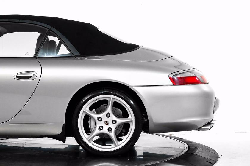 2003 Porsche 911 Carrera 4