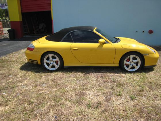 2004 Porsche 911 Carrera 4S Cabriolet:24 car images available