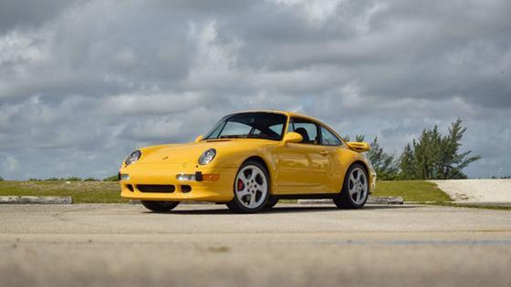 1997 Porsche 911 Carrera 4S:24 car images available