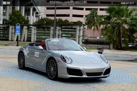 2017 Porsche 911 Carrera 4S:24 car images available