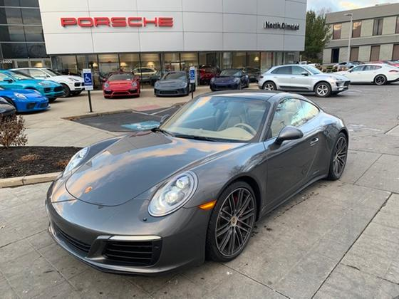 2017 Porsche 911 Carrera 4S:19 car images available