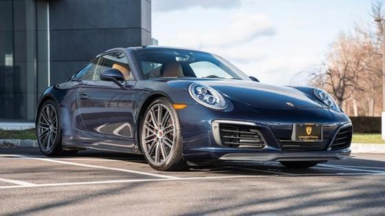 2018 Porsche 911 Carrera 4S:24 car images available