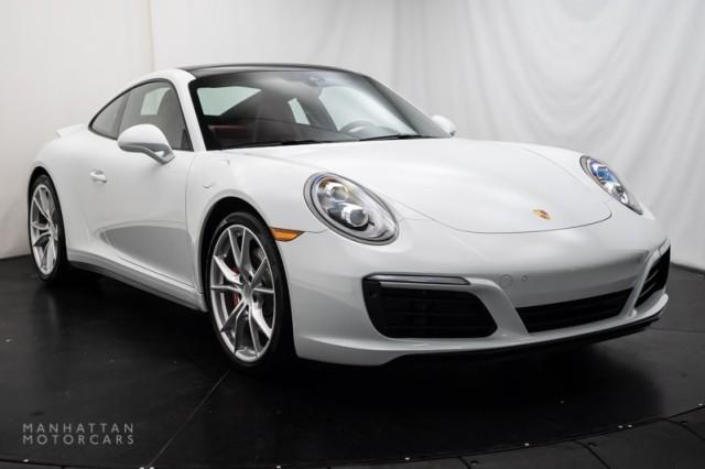 2019 Porsche 911 Carrera 4S:18 car images available
