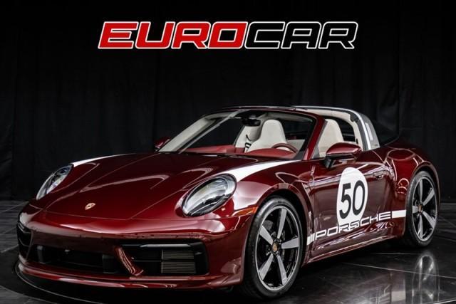 2021 Porsche 911 Carrera 4S:24 car images available