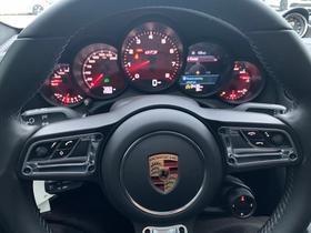 2017 Porsche 911 Carrera GTS