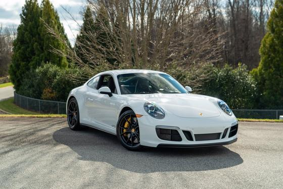 2019 Porsche 911 Carrera GTS:24 car images available