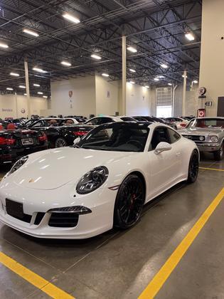 2015 Porsche 911 Carrera GTS:7 car images available