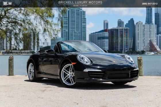 2015 Porsche 911 Carrera:24 car images available
