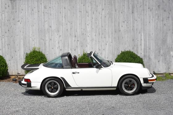 1986 Porsche 911 Carrera:24 car images available