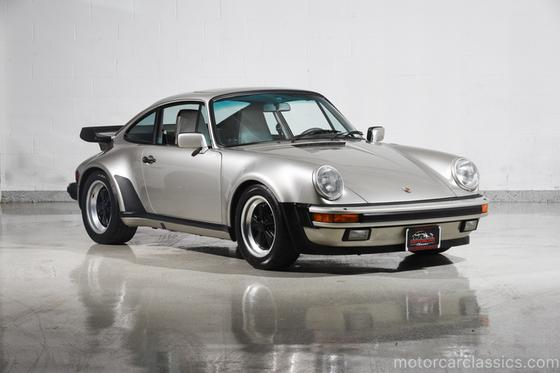 1985 Porsche 911 Carrera:24 car images available