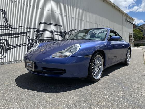 2000 Porsche 911 Carrera:9 car images available