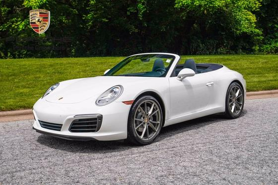 2017 Porsche 911 Carrera:24 car images available